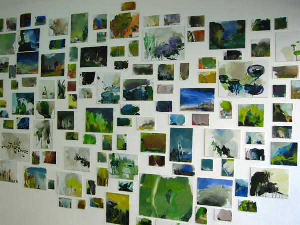 Ohne Titel, 2007 Installation mit mehreren kleinen Formaten, Mischtechik auf Karton und Leinenpappe